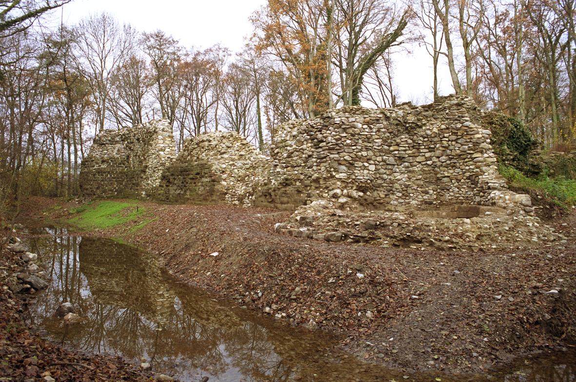 Visite du site archéologique de la Bâtie-Rouelbeau